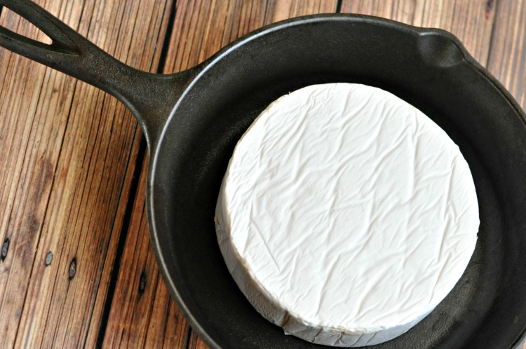 baked-brie-step-1