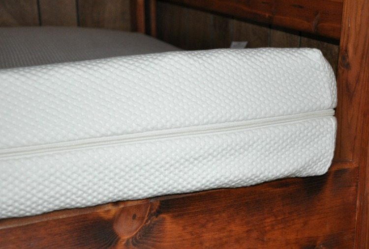 "6"" organic mattress from Essentia"